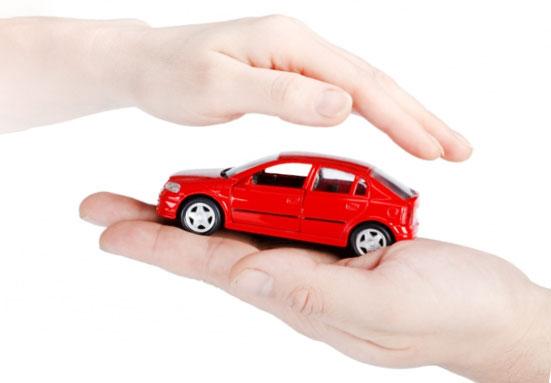 bảo vệ xe bằng bảo hiểm thân vỏ xe ô tô